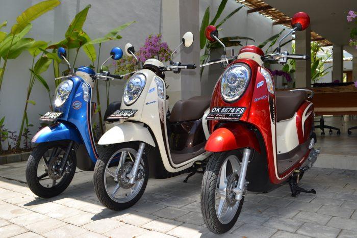 Scooters para locação em Bali, Indonésia