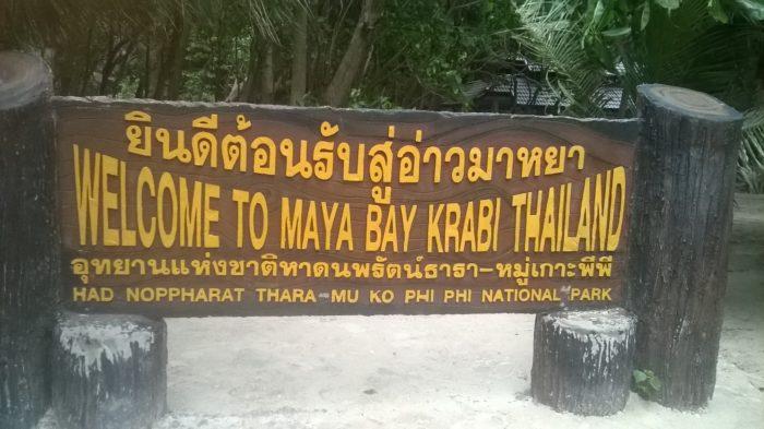 Placa de boas vindas em Maya Bay, na Tailândia
