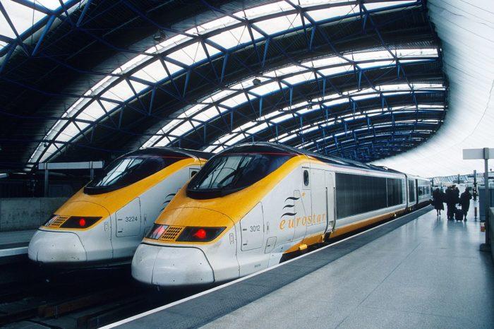 Trens da Eurostar fazem a travessia do Canal da Mancha