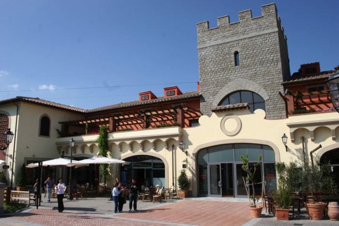Restaurante no Barberino Outlet, na Itália