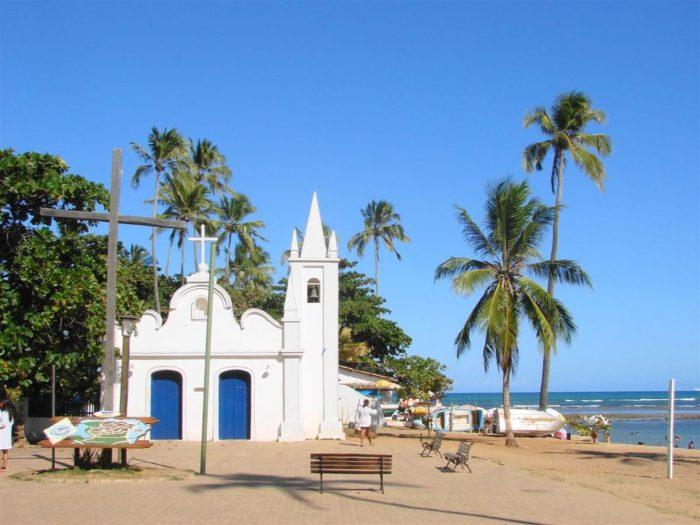 Igreja na Praia do Forte, na Bahia
