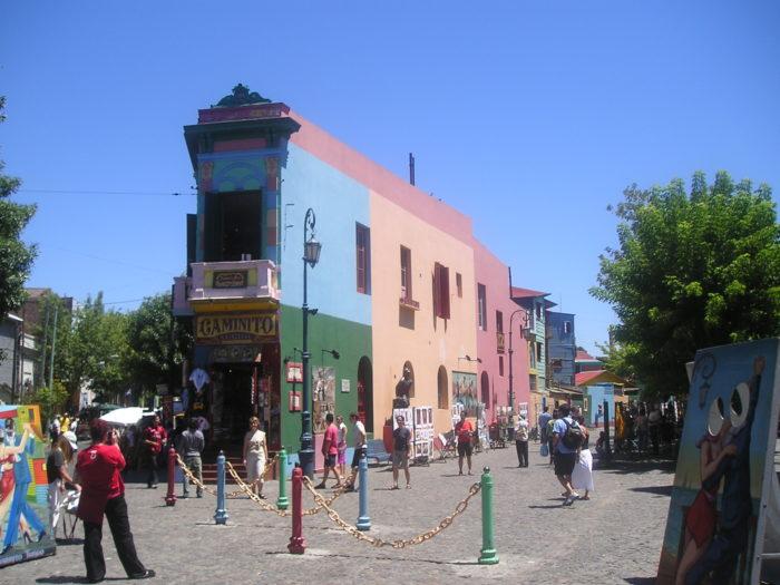 """O """"El Caminito"""" em La Boca, Buenos Aires"""