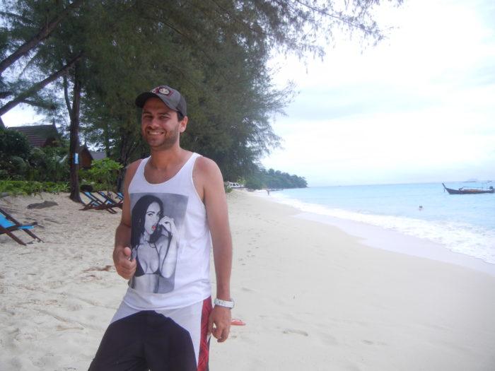 a Praia Long Beach em Ko Phi Phi, na Tailândia