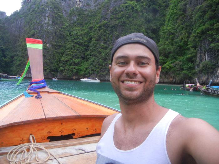 Tradicional barco de Ko Phi Phi, na Tailândia