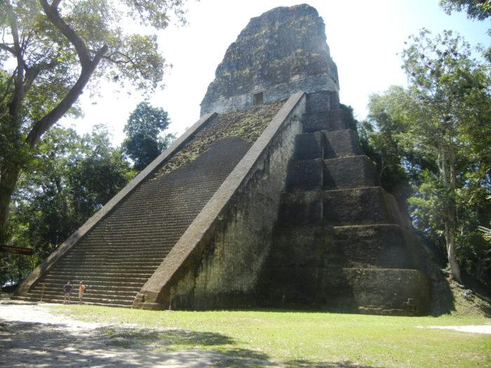 O Templo 5 em Tikal, na Guatemala