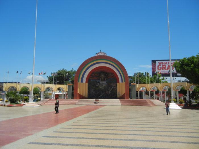 Praça de Tumbes, do lado peruano da Fronteira