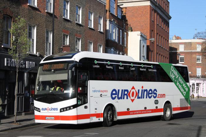 Ônibus da Eurolines na Europa
