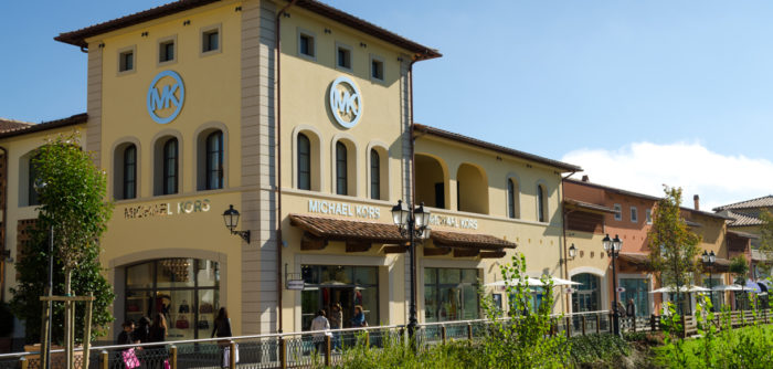 Marcas famosas no Barberino Outlet, na Itália