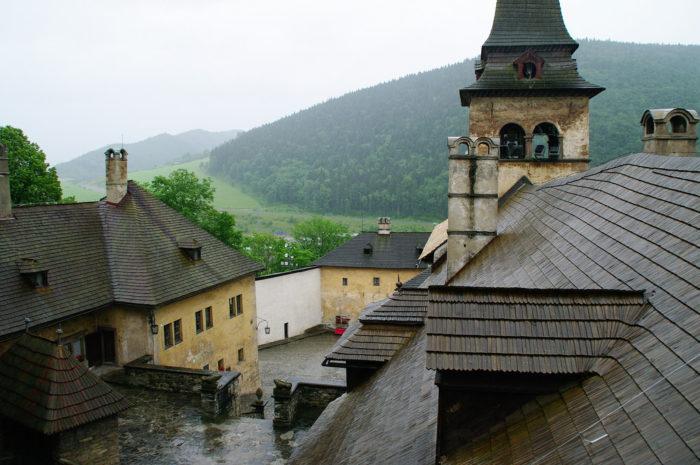 Vista do Castelo de Orava, na Eslováquia